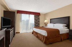Embassy Suites by Hilton Hotel Kansas City - Plaza
