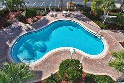 Holiday Inn Express Hotel and Suites Orlando-Lake Buena Vista South
