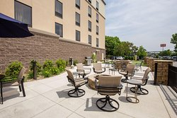 Hampton Inn & Suites Pittsburgh/Harmarville