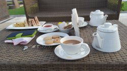 for tea they arrnaged at pool side with beautiful crockery.
