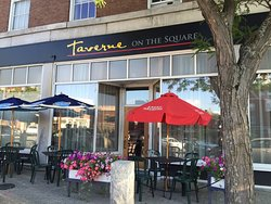 Taverne on the Square