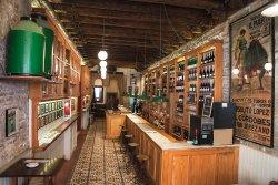 El Almacen, Vinos y Tapas