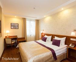 黃金大布達酒店
