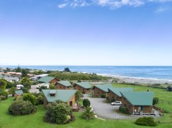 Shining Star Beachfront Accommodation