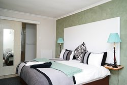 Elgin Valley Inn - Adults Only