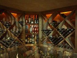 Adega com Carta completa de vinhos da Serra Catarinese