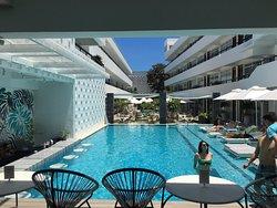 Modern island-vibe luxury - loved it!!!