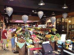 Sereh Gourmet Supermarket