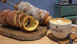 PAUSE Coffee & Kurtos