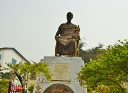 the statue of Nii Tackie Tawiah III