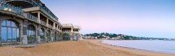 Thalassothérapie & Spa Thalazur posés sur la plage de Saint-Jean-de-Luz