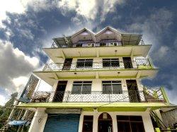 Hotel Cerulean Inn