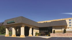 La Quinta Inn & Suites White Plains - Elmsford
