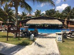 pool/swim-up bar for casita 32