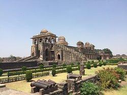 Ship Palace (Jahaz Mahal)