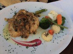 Elaines Fine Dining Restaurant & Lounge