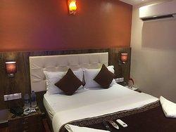 Hotel AK International