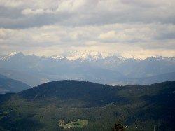 In lontananza le Alpi