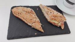 Pulguita vegetal con fiambre de pechuga de pavo y queso