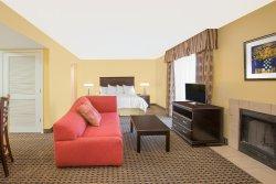 SpringWood Suites