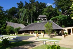 Nice resort at the edge of the rainforest