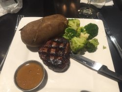 Filet with peppercorns sauce and garlic mushrooms