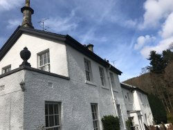 An amazing find in this beautiful tranquil setting. The quality of the accommodation is amazing