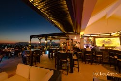 Rain Restaurant & Rooftop Terrace