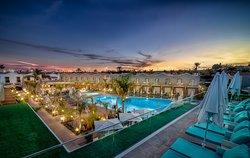 COOEE Hotel Suite Los Calderones