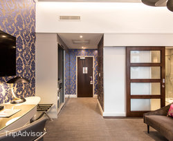 The Sapphire Suite at the Mercure London Hyde Park Hotel