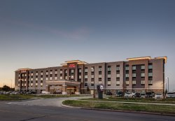 Hampton Inn & Suites Wichita/Airport