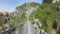 Ponte Tibetano Pro Loco Laviano