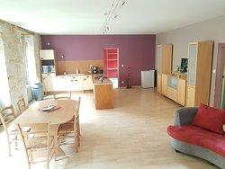 Nouveau appart'hotel.70 m2 ou 110 m2 de 2 à 8 couchages et de 1 à 4 chambres.