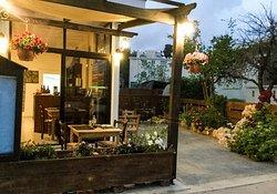 Fitos & Maria tavern