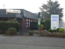Tuxen Hotel