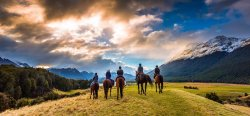 高原乡村骑马之旅