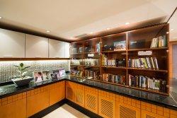 Executive Library &