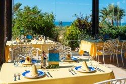 Restaurante El Mirador de Puerto Antilla by El Cerrojo Tapas