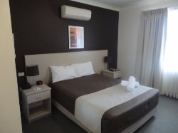 Warners Bay Hotel