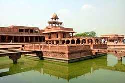 Fatehpur Sikri private tours