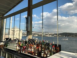 Gorgeous view + awesome bartender!