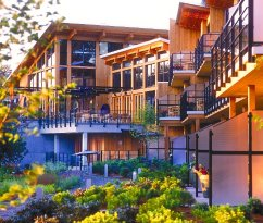 Brentwood Bay Resort & Spa