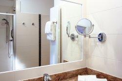 Badezimmer mit Du/ WC im Doppelzimmer Komfort