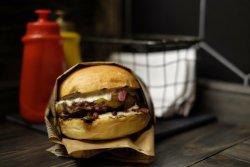 Troys Burger
