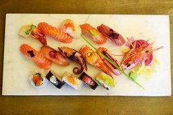 Mogge Sushi