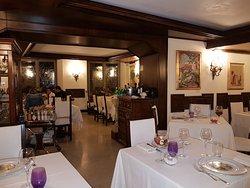 Location storica, cibo moderno e curato.