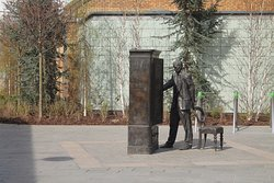 The Searcher, CS Lewis Wardrobe Statue