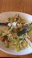 Frango com salada caesar