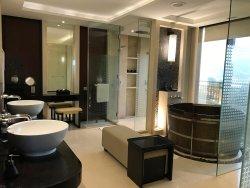 空間寬敞 特式室內私人溫水水池