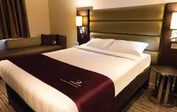 Premier Inn Dundee West Hotel